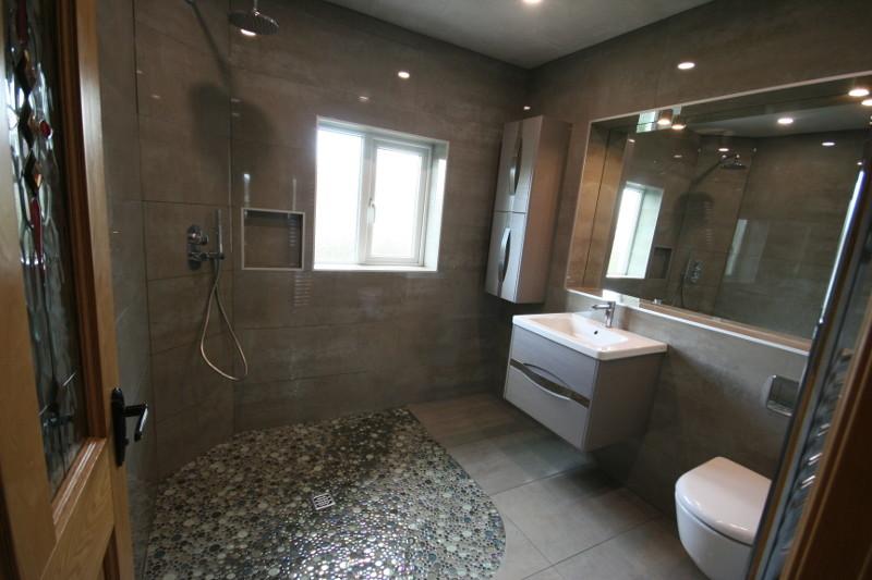 Wet Room 15